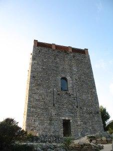 675px-Le_Revest_Les_Eaux_Village_Tower_(eastward_view)_5869
